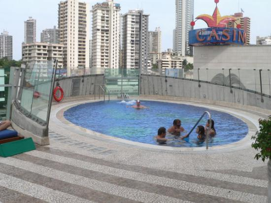 Radisson Decapolis Hotel Panama City: 4th floor pool
