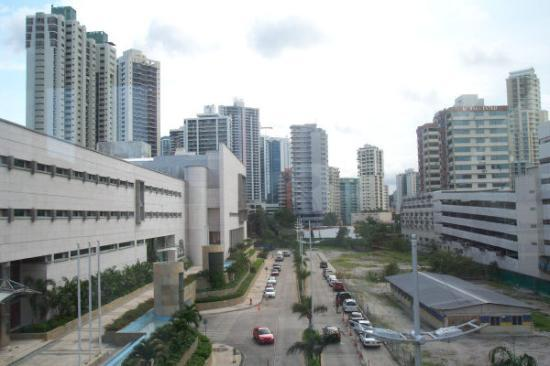 Radisson Decapolis Hotel Panama City: view of the city from 3rd fl link