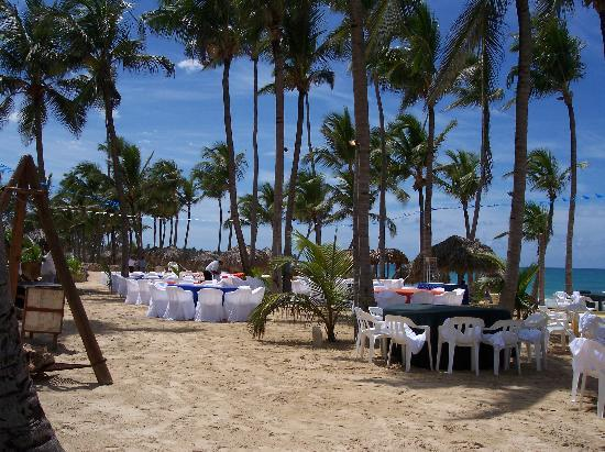 Excellence Punta Cana: getting ready for the beach party