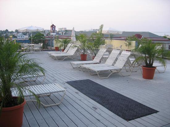 Brighton Suites Hotel: Brighton Sun Deck