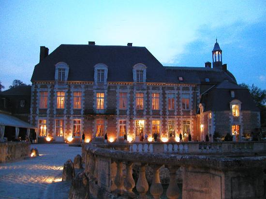 Chateau D'Etoges Photo