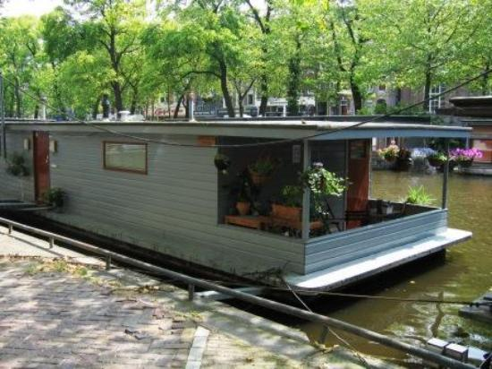 PhilDutch Amsterdam Bed and Breakfast: The Houseboat