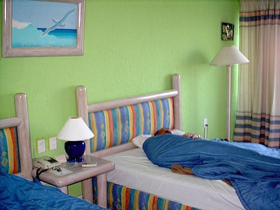 Solymar Cancun Beach Resort: Our room