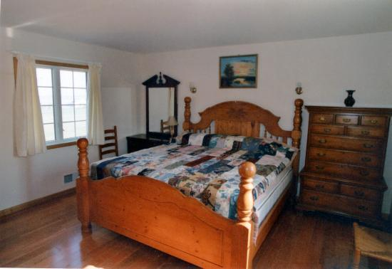 Cobtree Vacation Rental Homes Resort: King Size Bedroom