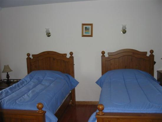 Cobtree Vacation Rental Homes Resort: Twin Bedroom