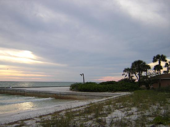 Longboat Key, Floryda: The beach behind a friend's home.