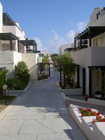 Platanias, Grecia: View of complex