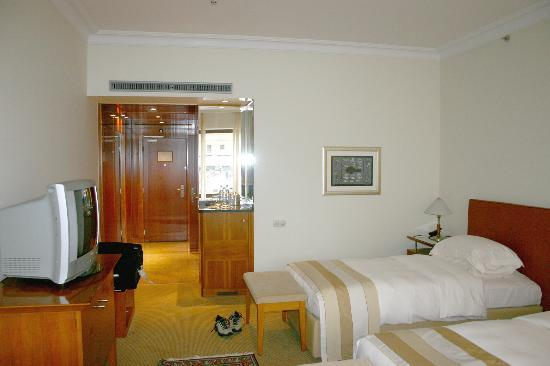 Ararat Park Hyatt Moscow: Our room - view to entrance