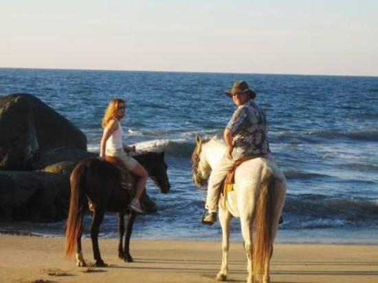 Sayulita, Mexico: had a fun time with Manuel on the horse ride!