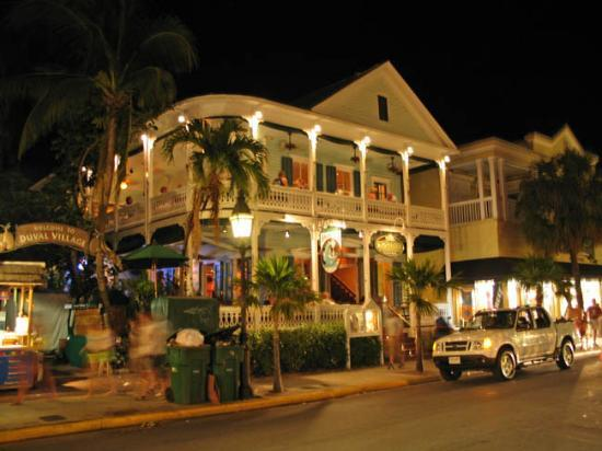 Budget Key West: Typical Keys architecture on Duval Street.