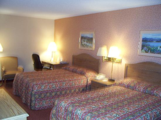 Comfort Inn Quantico: Guest Room Photo from door