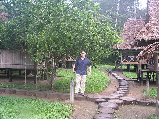 Inkaterra Ecological Reserve : Lime tree among the cabins