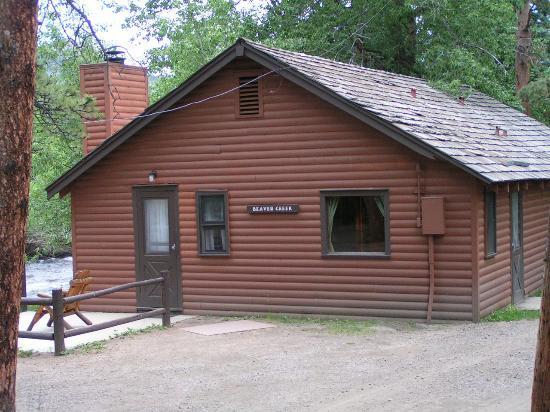 Glacier Lodge: Cozy Cabins