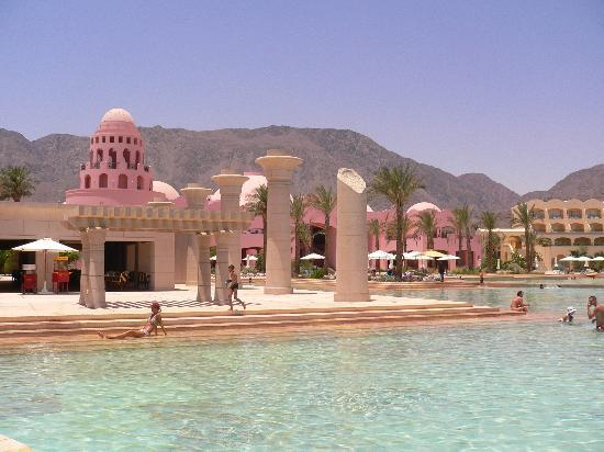 Sofitel Taba Heights: Poolside