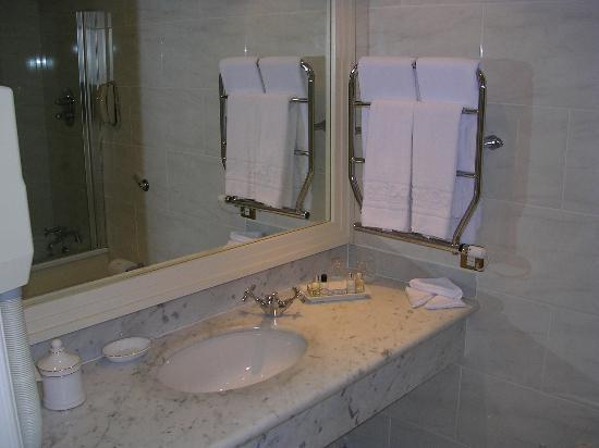 The Westbury: Bathroom