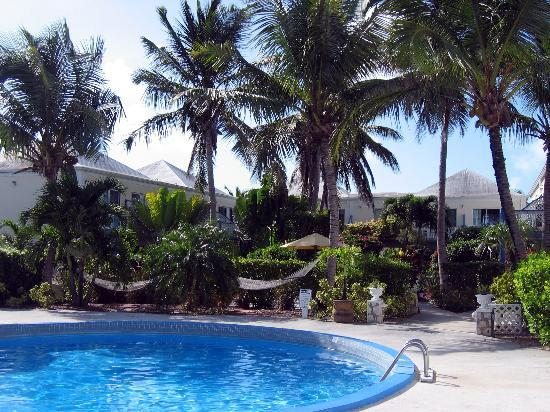 Sibonne Beach Hotel: Sibonne property and pool