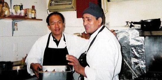 Himalayan Cafe: Owner Makar Rai with Tandoori Master Kipi Dahal