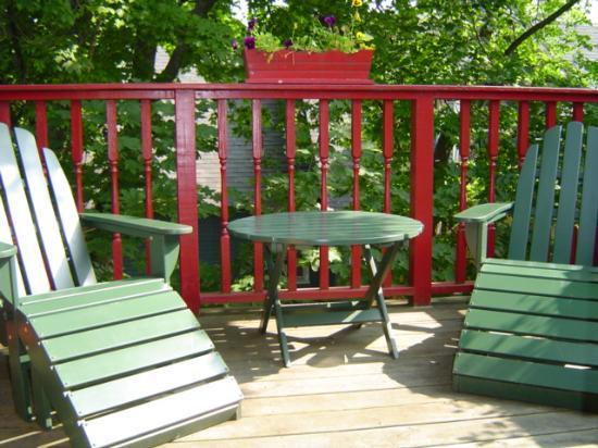 Maples Inn: The Tree House