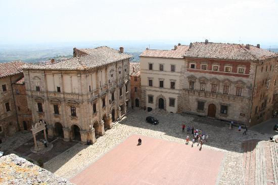 La Terrazza di Montepulciano: Main Square