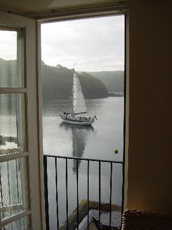 Fowey, UK: Passing traffic.