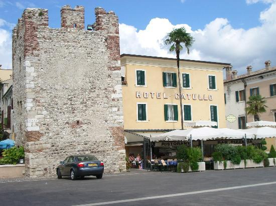 Hotel Catullo front view