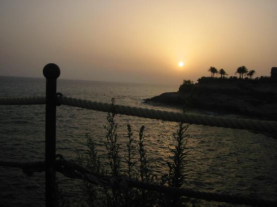 Gran Tacande Wellness & Relax Costa Adeje : Outside the hotel @ sun rise