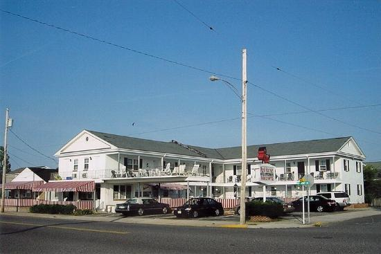 Photo of Red Horse On-The-Lake Motel Wildwood