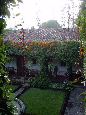 Hotel Posada de Don Rodrigo: One of the Courtyards