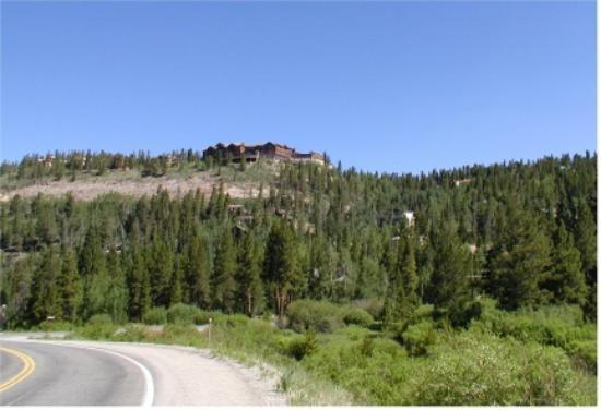 The Lodge at Breckenridge: View of Lodge From Valley