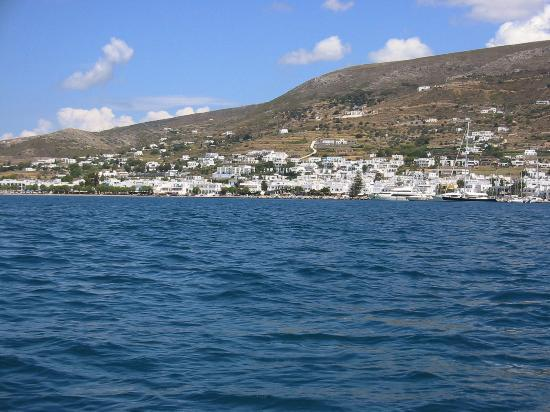 Parikia, Yunani: Paros from the water