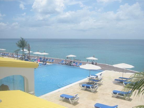 Cozumel Palace: View from Balcony During Day