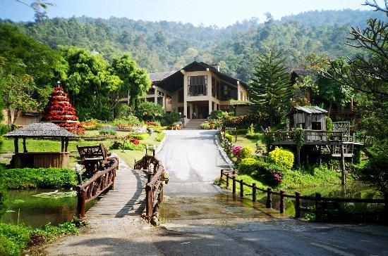 Hang Dong, Tailândia: What a beautiful village!