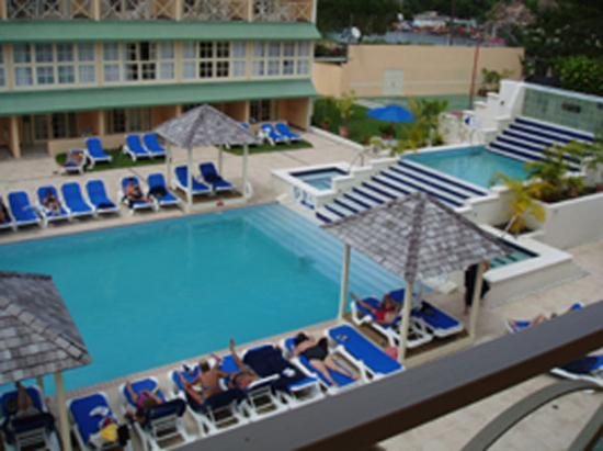Village Inn & Spa at Rodney Bay: pool-view from all rooms