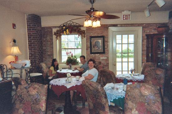 The Old Brick Inn: Dining room at Old Brick Inn