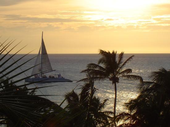Bucuti & Tara Beach Resort Aruba: Sailing at Sunset - View from Bucuti