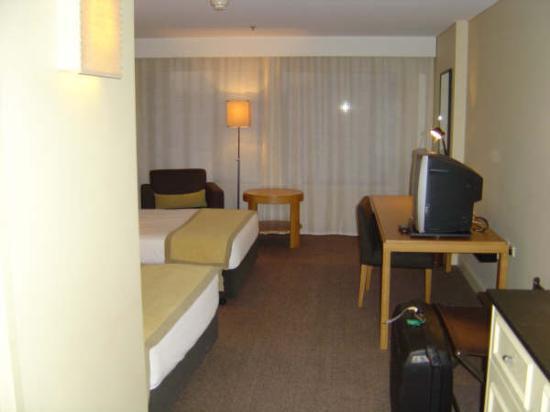 Sofitel Brisbane Central: room from door