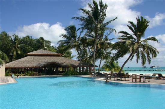 Pool - Picture of Meeru Island Resort & Spa, Meerufenfushi - Tripadvisor