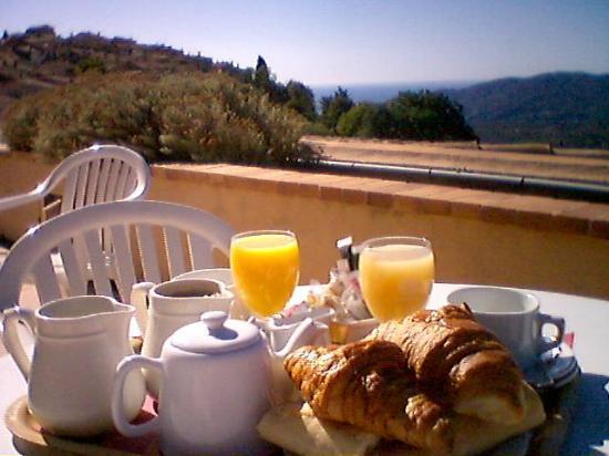 L'Horizon Hotel : French Breakfast