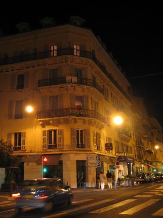 Best Western Hotel Roosevelt: Hotel at night