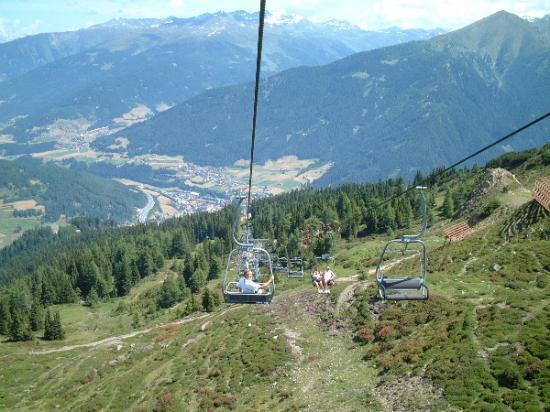 Steinach am Brenner, Österreich: Steinach from the mountains