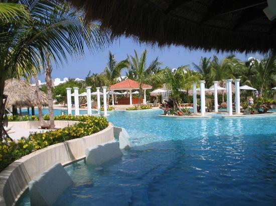 The pool - Picture of Melia Caribe Tropical All Inclusive ...