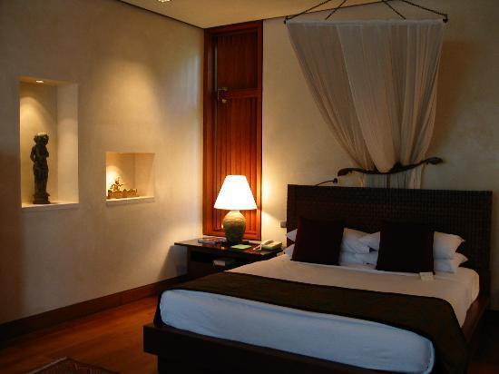 Four Seasons Resort Bali at Sayan: Villa sleeping area