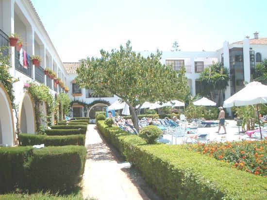 Globales Cortijo Blanco Hotel: Cortijo blanco - Grounds/Complex