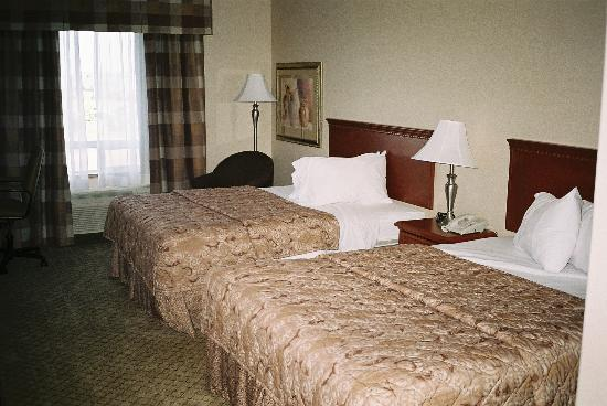 Holiday Inn Hotel & Suites Regina: A view of the beds in Room 330