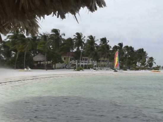 Turneffe Island Resort: The lodge from the Ocean Hammock