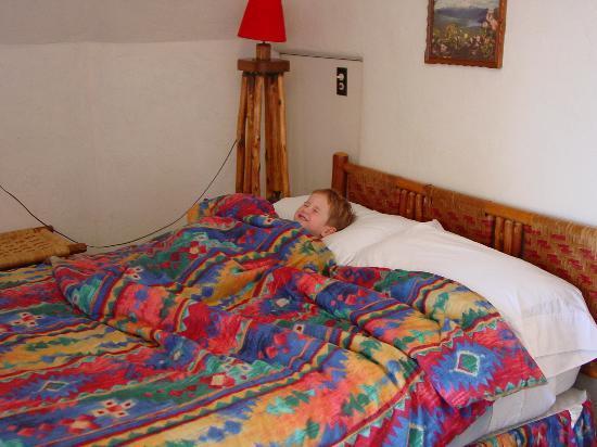 Wigwam Motel : The decor is tasteful for a teepee.