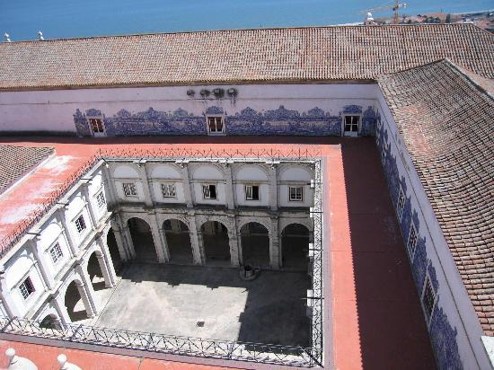Igreja da Sao Vicente de Fora: cloisters of Sao Vicenta as viewed from rooftop