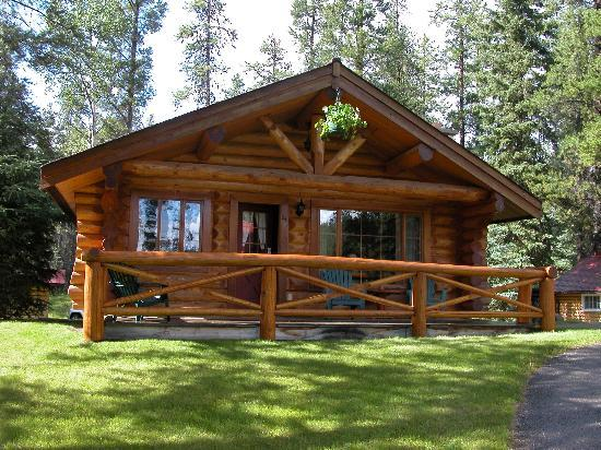Alpine Village Cabin Resort - Jasper: Delux Cabin #24