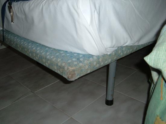 Los Delfines: Very comfortable beds!!