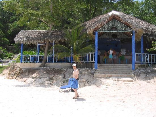 Paradisus Rio de Oro Resort & Spa: Beach Restaurant (great Calamari)